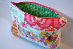make it perfect: .Zippered Pouch Tutorial.