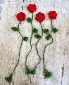 Romantyczny prezent - szydełkowa róża jako zakładka do książki ...                             Pozdrawiam :*