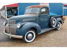 1941 Chevy Pickup is my dream street rod. I like: blue color, steelies with blue strip, white wall tires.
