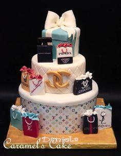 Fashion Cake, I would die if I got a fashion cake along with a shopping spree!!! ahhhhh dream come true!!!!!!!!!