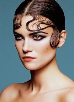 Fantasy Fashion Design: Kasia Struss viste originales diseños de primavera para la revista S Moda