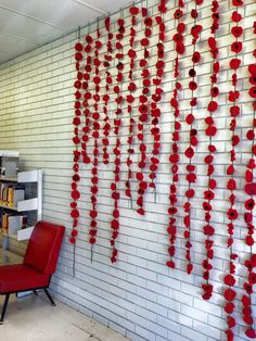 Swan Hill Regional Library Remembrance Day Display Local community members who are part of the Libraries 'Knitting Group' worked on these amazing. Remembrance Poppy, Remembrance Sunday, Knitted Poppy Free Pattern, Knitted Poppies, Poppy Craft, Wedding Window, Poppy Pins, Anzac Day, Church Activities