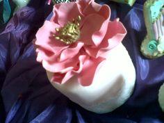 Minicake con Flor de Azúcar