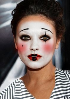 costume makeup easy pantomime mime halloween clown mimo face pretty circus female costumes carnival minute last schminken pierrot cool harlekin makeup male traditional french clown makeup - Bing images Makeup Clown, Circus Makeup, Costume Makeup, Mime Costume, Sfx Makeup, Unique Halloween Makeup, Halloween Makeup Looks, Yeux Halloween, Scary Halloween