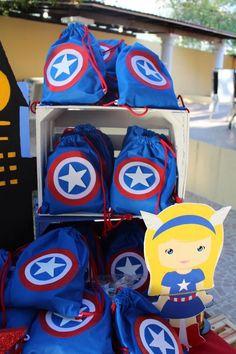 Fiesta de Capitán América                                                                                                                                                                                 Más