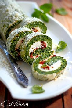Spinach Roll with Cream Cheese and Sun Dried Tomatoes