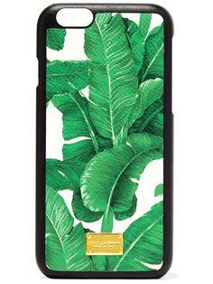 Palmen! Wir brauchen mehr Palmen! Dolce&Gabbana sei Dank können wir jetzt wenigstens auf unserem Handy Plamenblätter platzieren. Ab 125 Euro über net-a-porter.com. window.vn && window.vn.onInit.app.push(function(){window.vn.plugins.loadTracdelight();});
