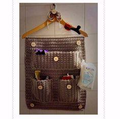 @mariamfrantzis 0412.195.37.87 #hechoamano #crochet #crocheting #crochetadicted #instacrochet #tejer #tejiendo #tejido #arte #artesanal #handmade #diseñovenezolano #talentovenezolano #hechoenvenezuela #woman #home #hogar #decoracion #interiores #habitacion #room #girl #niñas #venezuela #maturin #islamargarita #organizador by mariamfrantzis