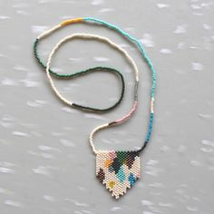 Anna Weber's Versicolor Peyote Stitch Necklace = awesomeness.