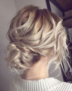 Messy Wedding Hair Updos For A Gorgeous Rustic Country Wedding To Urban Wedding - Finding the perfect wedding hairstyle isn't always easy.Bridal hairstyle wedding hair 36 Messy Wedding Hair Updos For A Gorgeous Rustic Country Wedding To Chic Urban Wedding Braided Hairstyles For Wedding, Messy Hairstyles, Pretty Hairstyles, Messy Wedding Updo, Hairstyle Wedding, Hairstyle Ideas, Messy Bridal Hair, Low Bridal Updo, Bridesmaid Hair Updo Messy