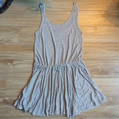 Cute closet alert! Shop seabrookavenue's closet on @poshmark. Join with code: BOWCA for a $5 credit!