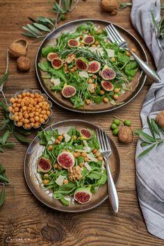 Rucola Parmesan Salat mit Backerbsen, Vorspeisen Rezepte, Salate, Salatideen,  Salatrezepte, Antipasti, veggie Vorspeise, einfache Vorspeisen, schnelle Rezepte,  gesundes Hauptspeisen, veggie Rezepte, veggie Gerichte, veggie Hauptspeise,  vegetarische Rezepte, vegetarische Rezeptideen, gesunde Rezepte, salad recipes,  veggie recipes, fast starter ideas, healthy recipe, salad to go Food Blogs, International Recipes, Creative Food, Curry, Meat, Chicken, To Go, Ethnic Recipes, Easy Peasy