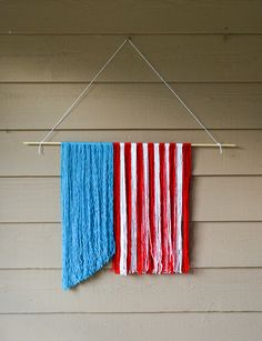 Red, White, and Blue Yarn Hanging Patriotic Crafts, Patriotic Decorations, July Crafts, Holiday Crafts, Holiday Decorations, Holiday Ideas, Yarn Crafts, Decor Crafts, Nursing Home Crafts