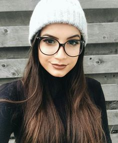 Images of hipster fashion glasses teen - Hipster Glasses, Cute Glasses, Girls With Glasses, Big Glasses Frames, Glasses Case, Cat Eye Colors, Fashion Eye Glasses, Wearing Glasses, Womens Glasses