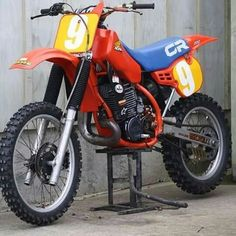 Honda Cr 500 2t 1985 Motocross Bikes, Vintage Motocross, Vintage Bikes, Vintage Motorcycles, Honda Motorcycles, Cars And Motorcycles, Honda Cr, Dirtbikes, Mini Bike
