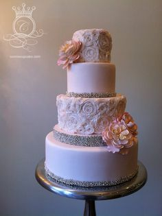 Featured Wedding Cake: CONNIE CUPCAKE INC.; 31 Unique and Chic Wedding Cake Designs. To see more: http://www.modwedding.com/2014/10/20/31-unique-chic-wedding-cake-designs/ #wedding #weddings #wedding_cake Featured Wedding Cake: CONNIE CUPCAKE INC.