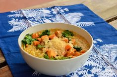 Thermomix Pumpkin and Spinach Risotto. Be still my carb loving heart. This is a cheesy, delicious, must have winter family meal. Vegan Breakfast Recipes, Vegan Recipes Easy, Cooking Recipes, Recipes Dinner, Rice Recipes, Thermomix Soup, Spinach Risotto, Risotto Recipes, Winter Food
