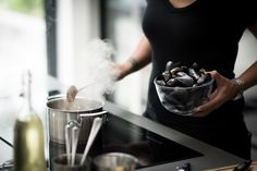 Watch how the Miele steam combination oven and induction hob were essential choices for professional chef and owner of Mere, Monica Galetti to have at home. Design Your Kitchen, Professional Chef, Best Chef, Family Kitchen, Mussels, Food Preparation, Cool Kitchens, Appliances, Meal