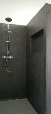 Kleurnummer 31: Orage. In een badkamer in een woonhuis in Nijmegen.