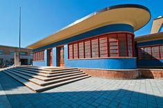 """IT, Sabaudia, Centro """"Angiolo Mazzoni"""", ex post office. Architect Angiolo Mazzoni, 19xx."""