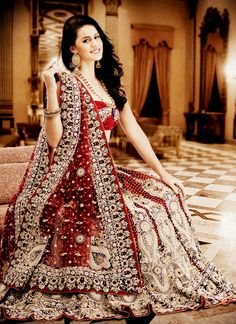 The most traditional wedding dress of pakistan is Lehenga. Its beautiful styles and alluring designs have always been famous in Pakistani bridal dresses. Indian Marriage Dress, Indian Bride Dresses, Indian Bride And Groom, Pakistani Wedding Dresses, Indian Wedding Outfits, Pakistani Bridal, Bridal Outfits, Bridal Lehenga, Indian Outfits
