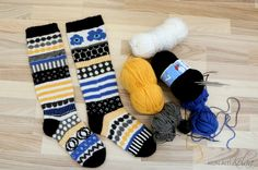 Bilderesultat for marimekko villasukat Wool Socks, Knitting Socks, Free Knitting, Fun Socks, Crochet Socks Pattern, Knit Or Crochet, Marimekko Fabric, Designer Socks, Clothing Patterns