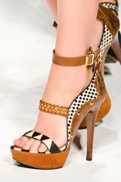 love the combination of colours & patterns with these Leather PeepToe HighHeels. checkered & braided. simply beautiful!