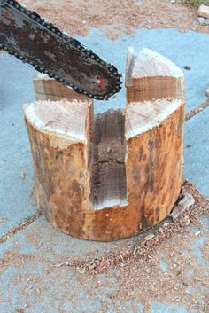 make stool with chain saw and block of wood