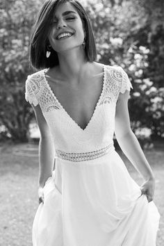 Robe de mariée Marylise Versailles in 2020 Tea Length Wedding Dress, Wedding Dress Sleeves, Long Sleeve Wedding, Ball Dresses, Ball Gowns, Bridal Gowns, Wedding Gowns, Wedding Bridesmaids, Lace Wedding
