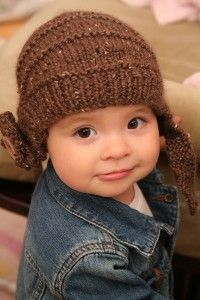 25 Free Beginner Knitting Patterns Great for healthy kids but remember those little ones with cancer.  https://www.pinterest.com/barb7769/knit-hats-chemo-caps-and-donations/