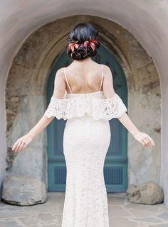 Causal Picnic Inspired Bridal Style by Madalina Sheldon   Wedding Sparrow   wedding blog