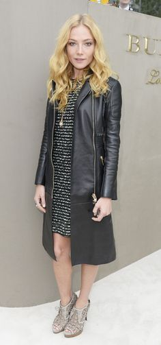 Clara Paget arrived at the show wearing Burberry Street Style 2018, Street Chic, Clara Paget, Style Ideas, Style Inspiration, Black Sails, Party Looks, Fall Winter Outfits, All About Fashion