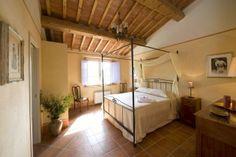 Villa Eleonora || www.sonnigetoskana.de || Italien - Toskana|| Pisa bei Casale Marittimo, 6 Schlafzimmer, Privater Pool, Klimaanlage. #tuscanyvillas #toskanavillen #italyvillas #italianvillas #holidayhomes #tuscanyholidayhomes #urlaub #reise #ferienhaus #vacation #luxuryvilla #luxusvilla #familienurlaub #italianvillasforrent #tuscanvillasforrent #mietenvilla #tuscanyvillaswithpool #tuscanyluxuryvilla #tuscanyholidayhomes #tuscanholidayvillas #toskanaferienhaus