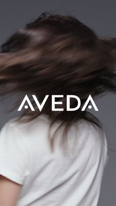 Aveda Damage Remedy Daily Hair Repair fights damage so hair can grow stronger, and longer. Embrace blow drying, curling, brushing, coloring AND grow out your hair. Diy Hairstyles, Pretty Hairstyles, School Hairstyles, Updo Hairstyle, Vintage Hairstyles, Hair Breakage Treatment, Hair Treatments, Natural Hair Care, Natural Hair Styles