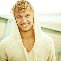 Pretty Alex Pettyfer