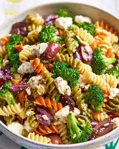 Recipe: Broccoli and Feta Pasta Salad. In this STEP-BY-STEP recipe, you'll learn how to mix and match pasta and vegetables in several ways. You'll need black pepper, feta cheese, wine vinegar and Kalamata olives.