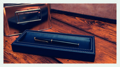Classic item for an elegant desk, Handcrafted and fully customizable in fine Foglizzo leather. It arranges pens and pencils horizontally. A solid wood structure covered il leather enhanched by contrasting topstitching. #domuscollection #penholder #desk #stationery #leather #foglizzoleathergoods