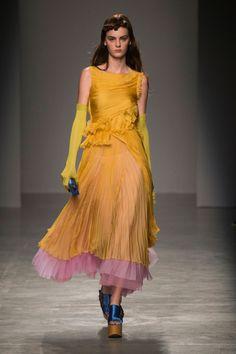 Rochas   Paris Fashion Week   Spring 2017 Model: Lea Holzfuss