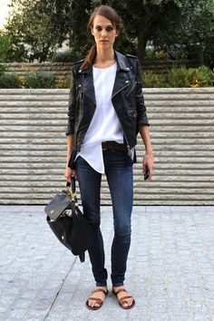 MODEL-OFF-DUTY: AYMELINE VALADE | LEATHER MOTO JACKET IN PARIS