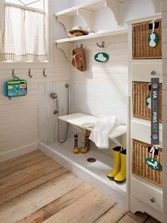 Mudroom Dog Shower - Design photos, ideas and inspiration. Amazing gallery of interior design and decorating ideas of Mudroom Dog Shower in garages, laundry/mudrooms by elite interior designers. Home Upgrades, Mudroom Laundry Room, Bench Mudroom, Laundry Area, Dog Rooms, Dog Shower, Shower Basin, Shower Nozzle, Shower Seat