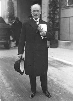 Gustav Krupp, convicted NAZI German war criminal for slave labor/death camps Der Richter, Nuremberg Trials, The Third Reich, German Language, Armed Forces, Historical Photos, World War Ii, Wwii, History