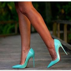 Step into these sexy mint patent leather pumps. Made of patent leather. Hot Heels, Sexy Heels, Pictures Of High Heels, Stiletto Shoes, Louboutin Shoes, Girls Heels, Christian Louboutin So Kate, Patent Leather Pumps, Beautiful Shoes