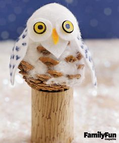 Craft our sweet snowy owl from simple crafts materials (felt, cotton balls, and thumbtacks), plus a pinecone.