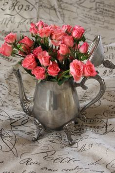 Rooted In Thyme: ~ French Inspiration and Simple & Sweet Fridays Red Climbing Roses, Romantic Shabby Chic, Rose Art, Beautiful Roses, Fresh Flowers, Decoration, Container Gardening, Flower Power, Floral Arrangements