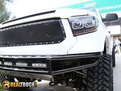 https://flic.kr/p/Bf1X5s | RealTruck at SEMA 2015 | The RealTruck crew at SEMA 2015.