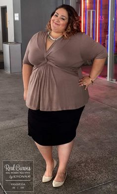 Graciously accept the compliments you'll receive as you wear this luxuriously soft jersey knit Caycee Plus Size Twist Top. This directional staple tee draws the Plus Size Retro Dresses, Plus Size Outfits, Moda Plus Size, Plus Size Girls, Plus Size Fashion For Women, Plus Size Womens Clothing, Trendy Clothing, Clothing Sites, Looks Plus Size