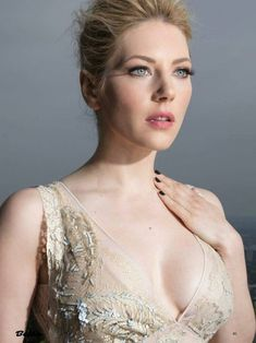 Is Katheryn Winnick Married or In a Relationship, Who is Her Husband or Boyfriend – Celebrities Woman Beautiful Celebrities, Beautiful Actresses, Gorgeous Women, Katheryn Winnick Vikings, Female Actresses, Eva Green, Hd Picture, Makeup Forever, Summer Hairstyles