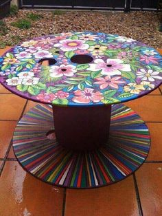 Furniture Stores In Chicago Whimsical Painted Furniture, Hand Painted Furniture, Funky Furniture, Upcycled Furniture, Pallet Furniture, Furniture Projects, Furniture Makeover, Furniture Stores, Hand Painted Chairs