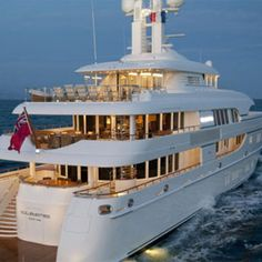 P Diddy's iPad-Controlled Yacht