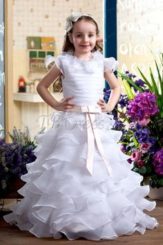 5bc989ebd6 New Bohomian Princess White Flower Girl Dress Fluffy Ball Gown Girls  Birthday Pageant Gown Tutu First Communion Dress-in Dresses from Mother    Kids on ...